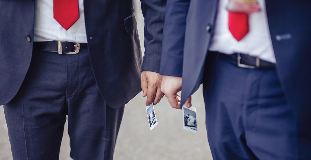 Zwei Polaroid Fotos bei Hochzeit